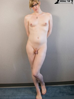 Beatiful tranny free vid