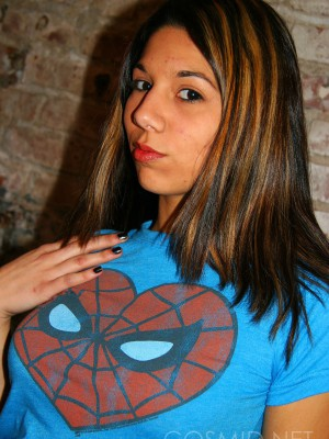 Spider girl to the rescue