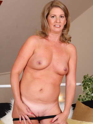 Hot 58 yr old cougar getting filled by her 30 year old cub 9