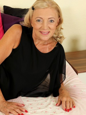 65 year old Kamilla from AllOver30 proving that old girls are hot