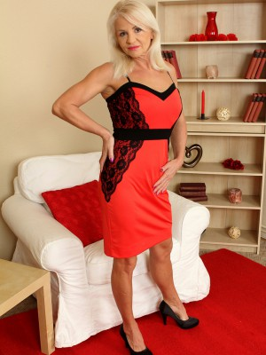 Blond and elegant Inez from AllOver30 displaying off her aged body