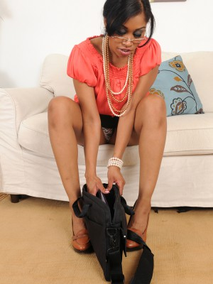 thirty year old secretary Yasmine DeLeon from AllOver30 inserts pearls