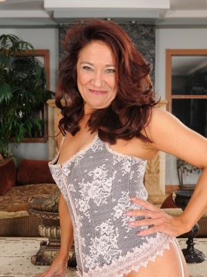 52 year mature Renne Dark from AllOver30 searching quite luxurious inside lace