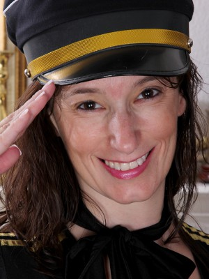 41 yr old Mummy Celeste Carpenter would like to join the mile high club