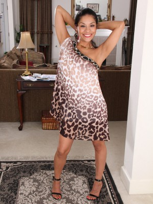 Kinky 32 yea old Veronica Hart gliding out-of the woman streamlined elegant suit