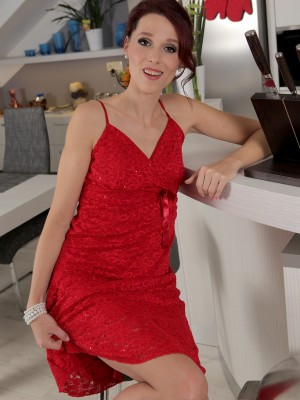 37 yr old tiny Beanne slides from the girl elegant red dress and widens