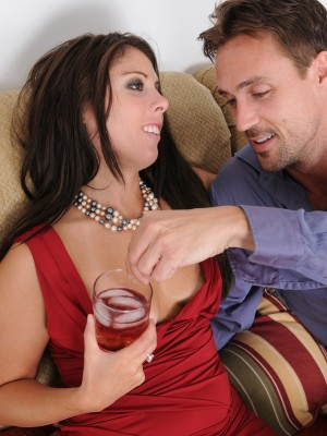 thirty year old Stacey Sinns gets frigged and screwed on sofa