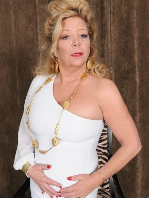 Golden girl of porn Karen summertime slides far from the woman white elegant dress