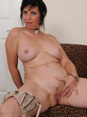 2 milfs showing while watching my huge cock 10