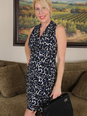 60 yr old Erica Lauren from Milfs30 Eases After an