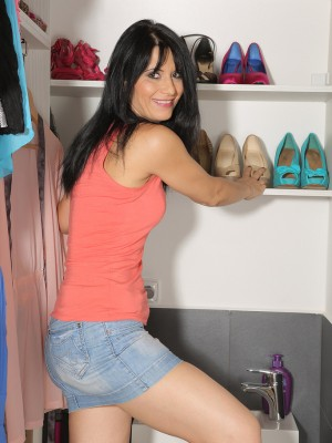 Brunette hair housewife Gracia Saluda glides down the woman jeans petticoat and extends
