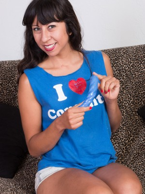 Non-traditional Vivi Marie loves playing with her fresh twisted blue gear
