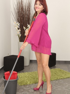 Aged Natalia Muray wound up being doing chores but embarked experiencing frisky