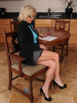 Lewd secretary Payton Hall could keep a vital as she flashes those big mambos