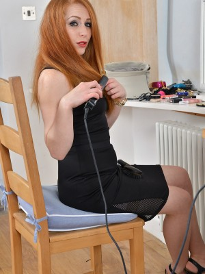 Hot redhead Tia Jones starts up showcasing the woman fur covered pussy as she readies for sleep