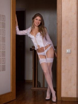 Loredana is a beautiful wooly girl knickers model