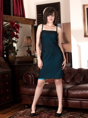 Disrobing from her green dress, Kate Anne is hot