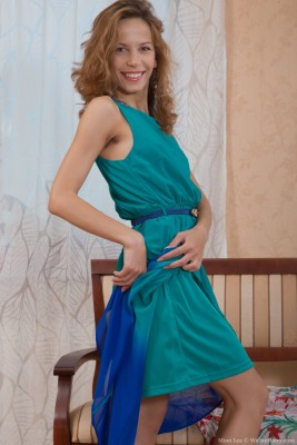 Mimi Lea glides down tight dress showing the girl body