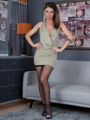 a vacant ottoman tends to make Chloe R strip nude for us