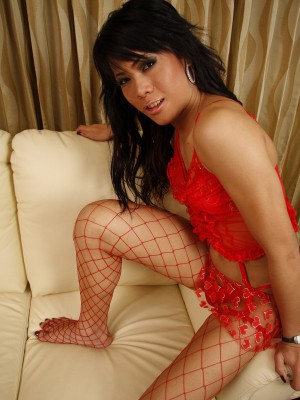 naughty-asian-ladyboy-gets-nailed-and-takes-a-load-on-her-stomach-3