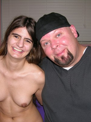Indian Inexperienced Babe Gets Screwed By Chubby White Guy