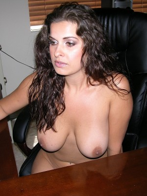 Dark brown and huge-titted dilettante babe widens