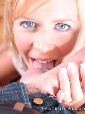 darcy-gets-cum-facial-14