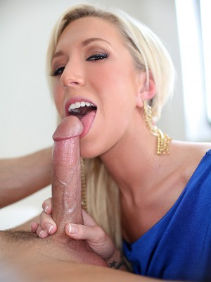 sexy-maia-blows-cock-to-swallow-cum-15