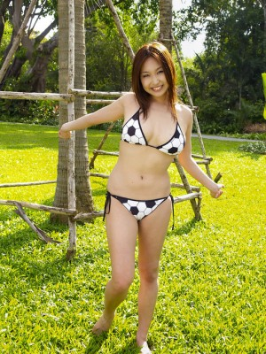 Saori Yamamoto Oriental reveals huge zeppelins in soccer bra when you go through the playground