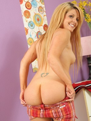 college-girl-shayne-invites-you-into-her-room-where-she-strips-and-shows-off-her-cute-bare-pussy-8