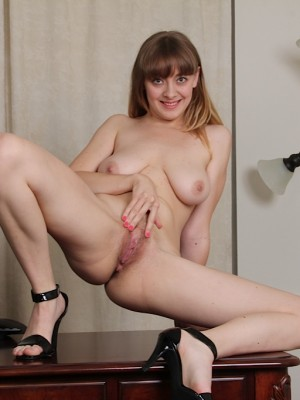 A blonde cam girl from san francisco maturbating on webcam 5