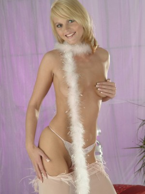 czech-babe-showing-off-her-sweet-body-10