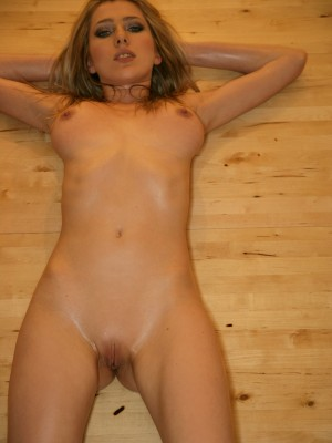 getting-all-hot-and-oily-in-the-sauna-5