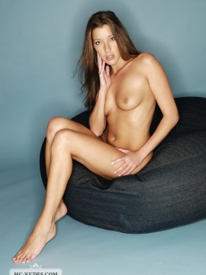 a juvenile and blameless staff that likes getting nude. A lady you should not miss for your own personel personel good!