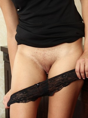 cute-blond-babe-patricia-stevens-spreads-her-pussy-3