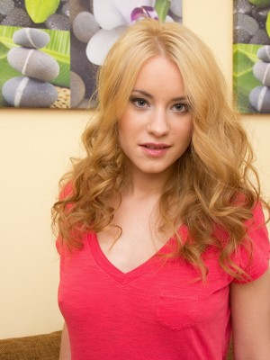 strawberry-blonde-arianna-may-strips-butt-ass-naked-2