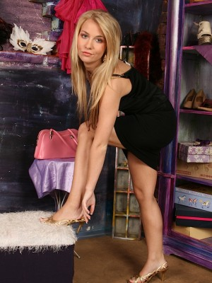 teen-babe-rhonda-strips-down-naked-in-only-her-heels-3